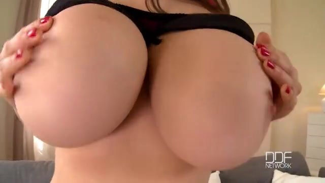 Порно рукие сиськастые