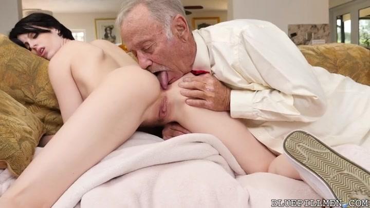 Молодая девушка и старики порно