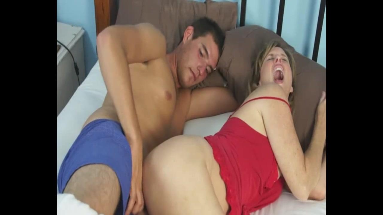 красивая мачеха с сыном онлайн порно